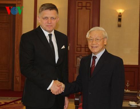 Lãnh đạo Đảng, Nhà nước, Quốc hội tiếp Thủ tướng Slovakia Robert Fico - ảnh 1