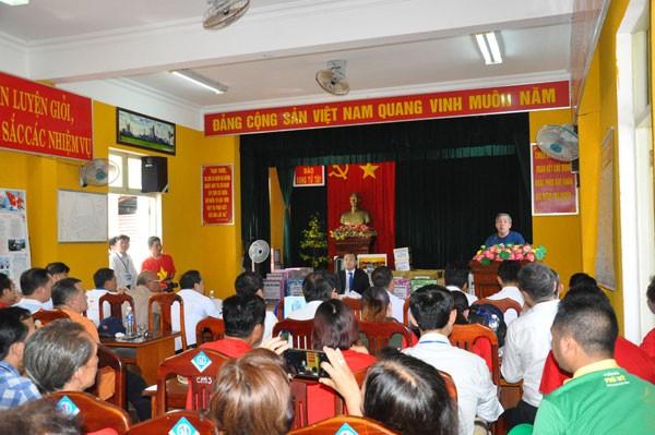 Kiều bào về thăm Trường Sa- nơi bình minh đầu tiên của Tổ quốc - ảnh 9