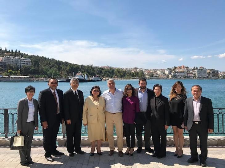 """Hội thảo """"Cộng đồng ASEAN: Cơ hội Hợp tác và đầu tư"""" tại Hy Lạp - ảnh 2"""