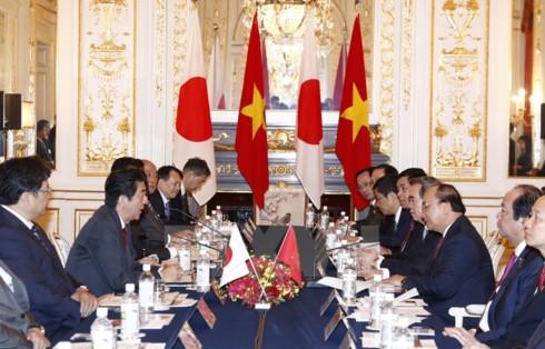 Việt Nam và Nhật Bản nhất trí thúc đẩy kết nối hai nền kinh tế - ảnh 1