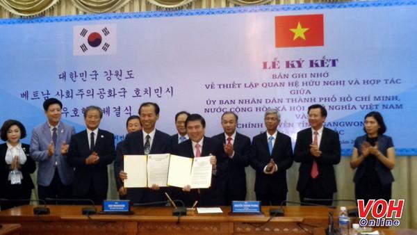 Thành phố Hồ Chí Minh đẩy mạnh quan hệ hợp tác với tỉnh Gangwon (Hàn Quốc) - ảnh 1