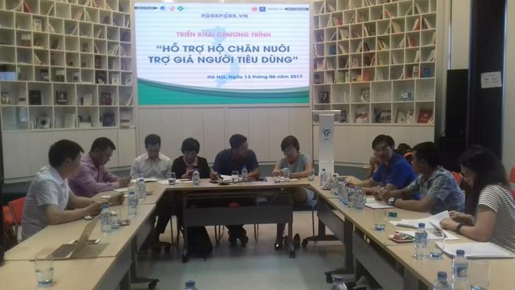 Tổ chức bán thịt lợn hỗ trợ người chăn nuôi tại Hà Nội  - ảnh 1