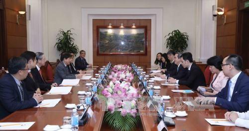 Đoàn đại biểu cấp cao Đảng Hành động nhân dân Singapore cầm quyền thăm Việt Nam - ảnh 1
