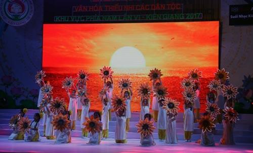 Liên hoan Văn hóa, ngày hội lớn của thiếu nhi các dân tộc khu vực phía Nam - ảnh 1