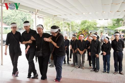 Tiễn biệt nhạc sĩ Hoàng Lương về nơi an nghỉ cuối cùng - ảnh 2