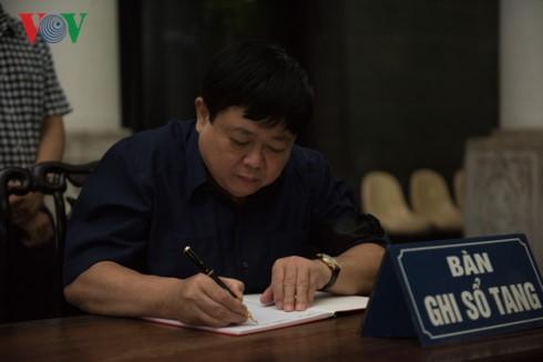 Tiễn biệt nhạc sĩ Hoàng Lương về nơi an nghỉ cuối cùng - ảnh 3