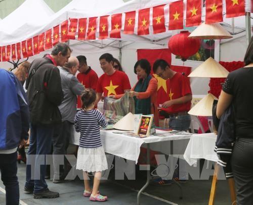 Việt Nam tham gia hội chợ Bazar các nước ASEAN tại Argentina - ảnh 1