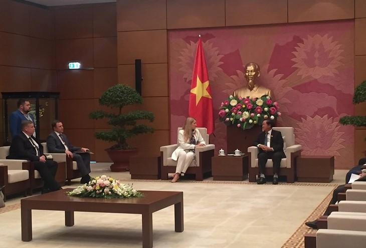 Việt Nam coi trọng quan hệ hữu nghị với Ukraine - ảnh 1