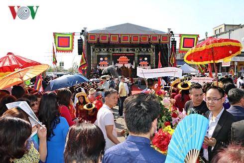 Người Việt tại Séc long trọng tổ chức lễ giỗ Tổ Hùng Vương - ảnh 9