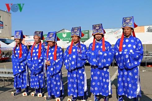 Người Việt tại Séc long trọng tổ chức lễ giỗ Tổ Hùng Vương - ảnh 5