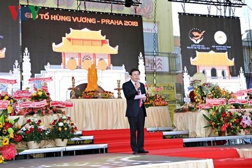 Người Việt tại Séc long trọng tổ chức lễ giỗ Tổ Hùng Vương - ảnh 8