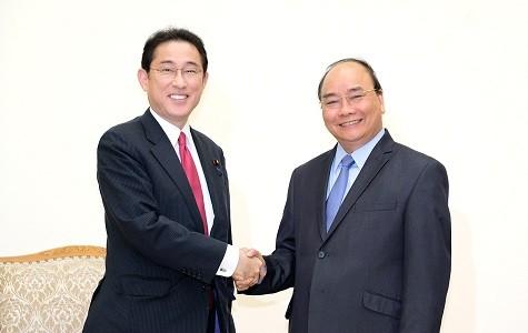 Thủ tướng Nguyễn Xuân Phúc tiếp Trưởng Ban Nghiên cứu Chính sách Đảng LDP Nhật Bản - ảnh 1