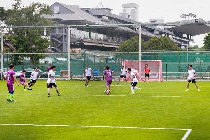 Giải bóng đá Cúp Hùng Vương được tổ chức sôi nổi tại Singapore - ảnh 3