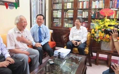 Trưởng ban Tuyên giáo Trung ương thăm, chúc mừng các nhà báo lão thành cách mạng - ảnh 1