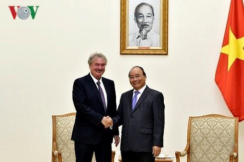 Thủ tướng Nguyễn Xuân Phúc tiếp Bộ trưởng Ngoại giao và Châu Âu Luxembourg  - ảnh 1