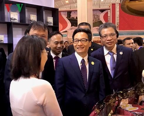 Phó Thủ tướng Chính phủ Vũ Đức Đam dự Lễ Khai mạc Hội chợ Trung Quốc - Nam Á lần thứ 5 - ảnh 1