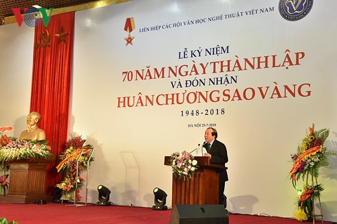 Liên hiệp các Hội VH-NT Việt Nam đón nhận Huân chương Sao Vàng - ảnh 2