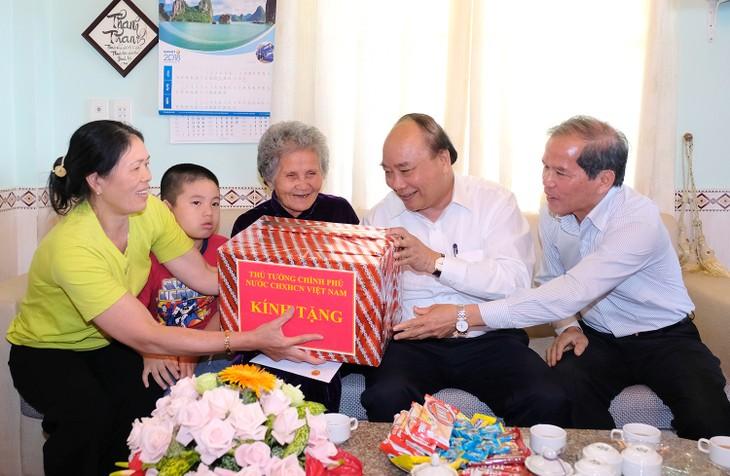 Thủ tướng thăm mô hình nông nghiệp sạch tại Lâm Đồng - ảnh 5