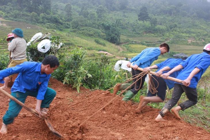 Tặng ruộng bậc thang cho đồng bào Mông canh tác, nâng cao đời sống - ảnh 11