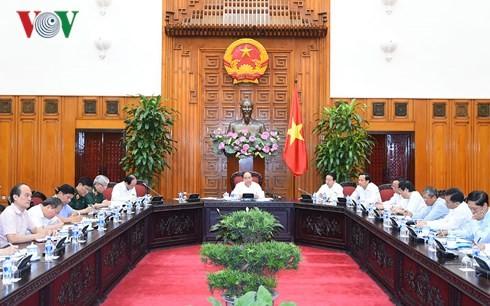 Thủ tướng chủ trì họp về khắc phục hậu quả bom mìn và chất độc hóa học trong chiến tranh - ảnh 2