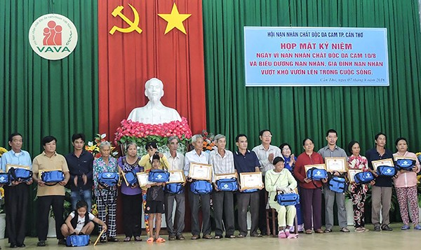 Chung tay hỗ trợ, chăm sóc các nạn nhân chất độc da cam  - ảnh 1