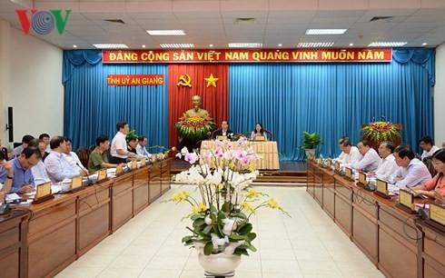 Chủ tịch nước Trần Đại Quang thăm, làm việc ở An Giang - ảnh 1