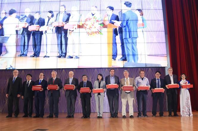 Trường đại học Việt Đức kỷ niệm 10 năm ngày thành lập - ảnh 1