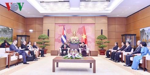 Chủ tịch Quốc hội tiếp Phó Chủ tịch thứ nhất Hội đồng Nhà nước Cuba - ảnh 3