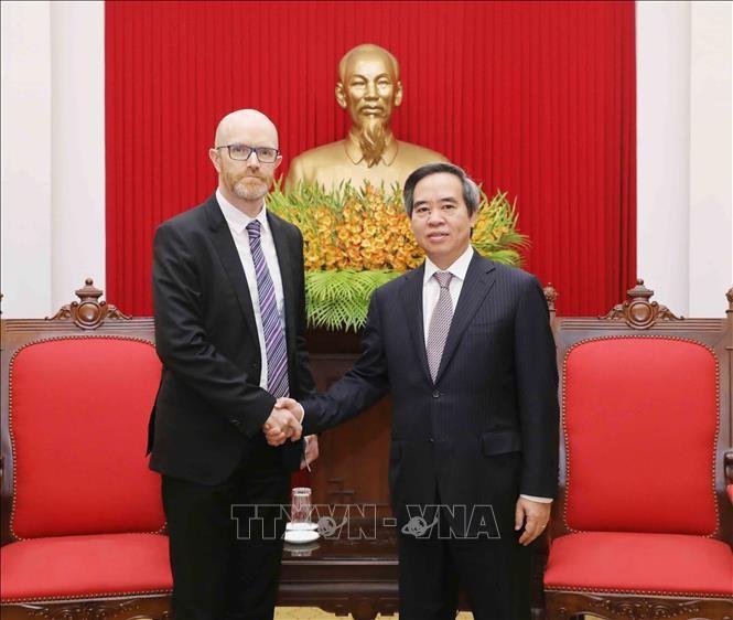 Trưởng Ban Kinh tế Trung ương Nguyễn Văn Bình tiếp Lãnh đạo các tập đoàn Facebook, Apple, Coca Cola - ảnh 1