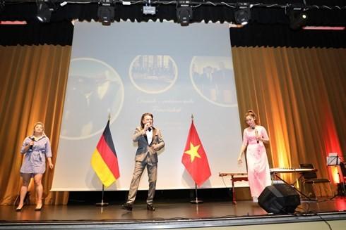 Đại sứ quán Việt Nam tại Đức tổ chức mừng Quốc khánh 2/9 - ảnh 2