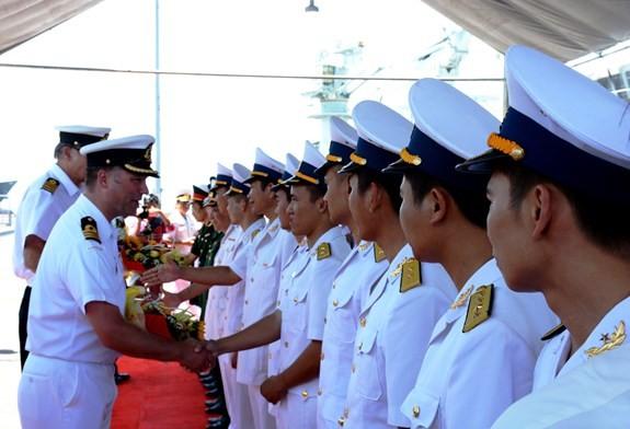 Đội tàu Hải quân Hoàng gia Canada thăm xã giao thành phố Đà Nẵng - ảnh 1