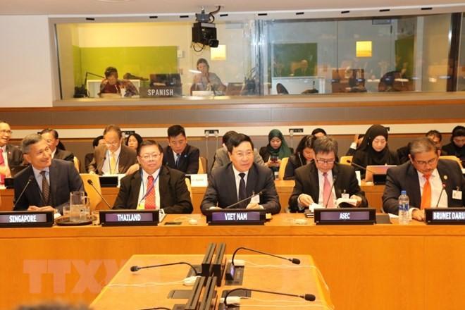 Hoạt động của Phó Thủ tướng, Bộ trưởng Ngoại giao Phạm Bình Minh bên lề Đại hội đồng Liên hợp quốc khóa 73 - ảnh 1