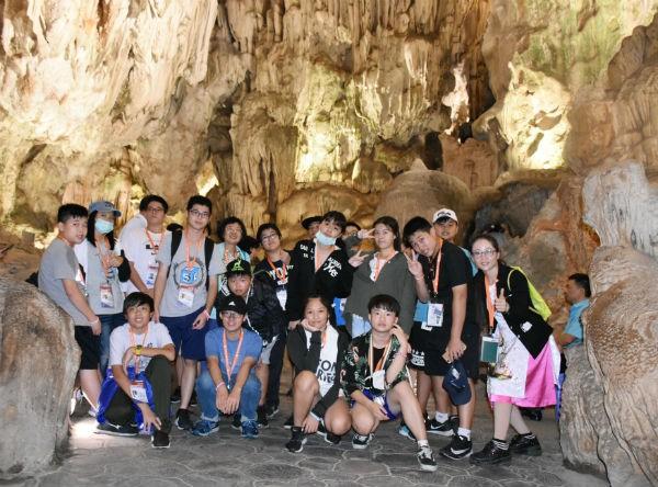 Đoàn thiếu nhi kiều bào tại Cao Hùng, Đài Loan (Trung Quốc) sang thăm và giao lưu tại Việt Nam - ảnh 1