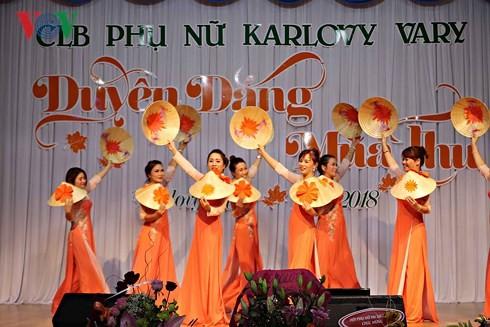 Duyên dáng mùa thu – tôn vinh nét đẹp phụ nữ Việt tại Séc - ảnh 1