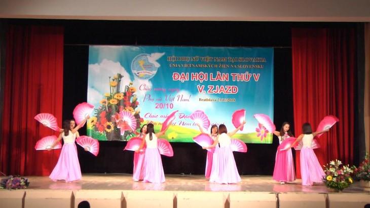 Hội phụ nữ Việt Nam tại Cộng hoà Slovakia vừa tổ chức đại hội lần thứ 5 - ảnh 3