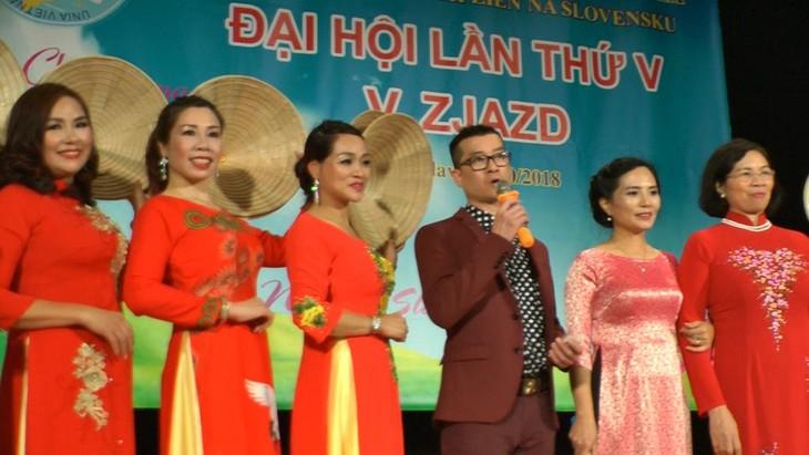 Hội phụ nữ Việt Nam tại Cộng hoà Slovakia vừa tổ chức đại hội lần thứ 5 - ảnh 8
