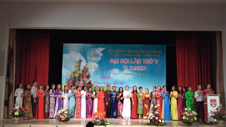 Hội phụ nữ Việt Nam tại Cộng hoà Slovakia vừa tổ chức đại hội lần thứ 5 - ảnh 9
