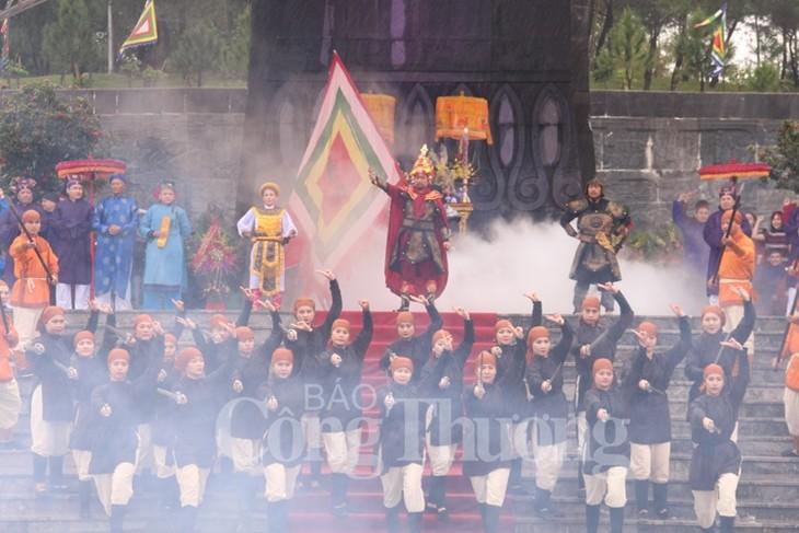 Dâng hương kỷ niệm 230 năm ngày Nguyễn Huệ lên ngôi Hoàng đế - ảnh 1