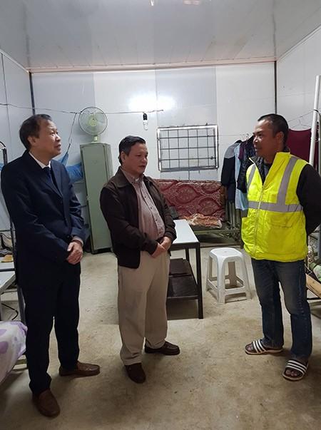 Đại sứ quán Việt Nam tại An-giê-ri thăm, chúc tết công nhân Việt Nam  - ảnh 6