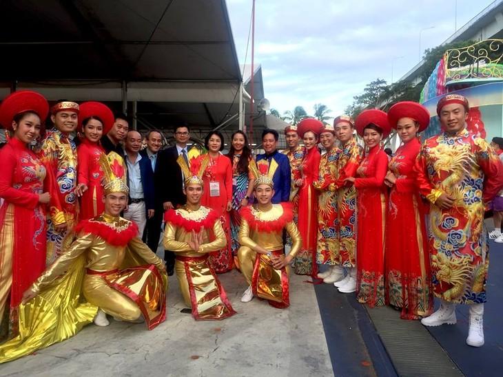 Cộng đồng người Việt tham gia lễ hội đường phố Chingay Parade tại Singapore - ảnh 7
