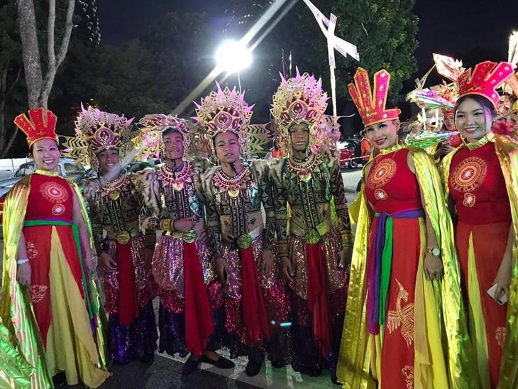 Cộng đồng người Việt tham gia lễ hội đường phố Chingay Parade tại Singapore - ảnh 10