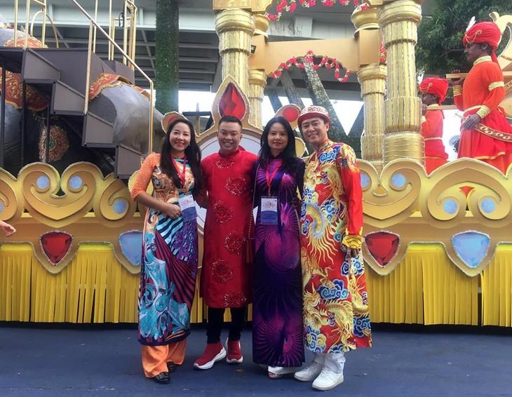 Cộng đồng người Việt tham gia lễ hội đường phố Chingay Parade tại Singapore - ảnh 12