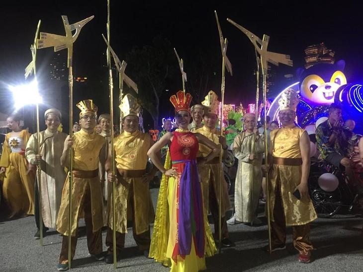 Cộng đồng người Việt tham gia lễ hội đường phố Chingay Parade tại Singapore - ảnh 14