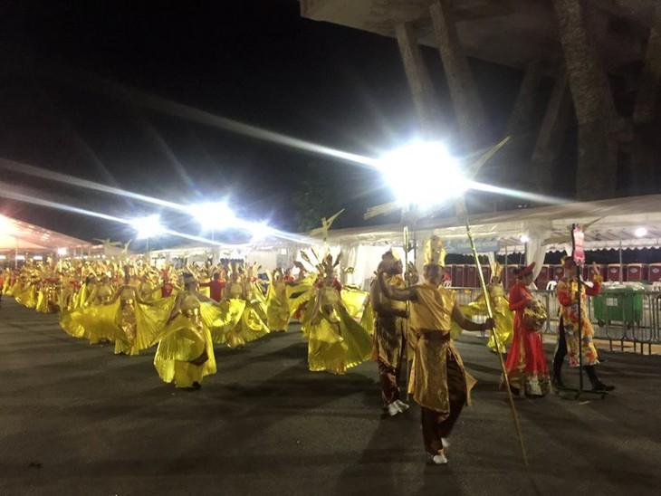 Cộng đồng người Việt tham gia lễ hội đường phố Chingay Parade tại Singapore - ảnh 15