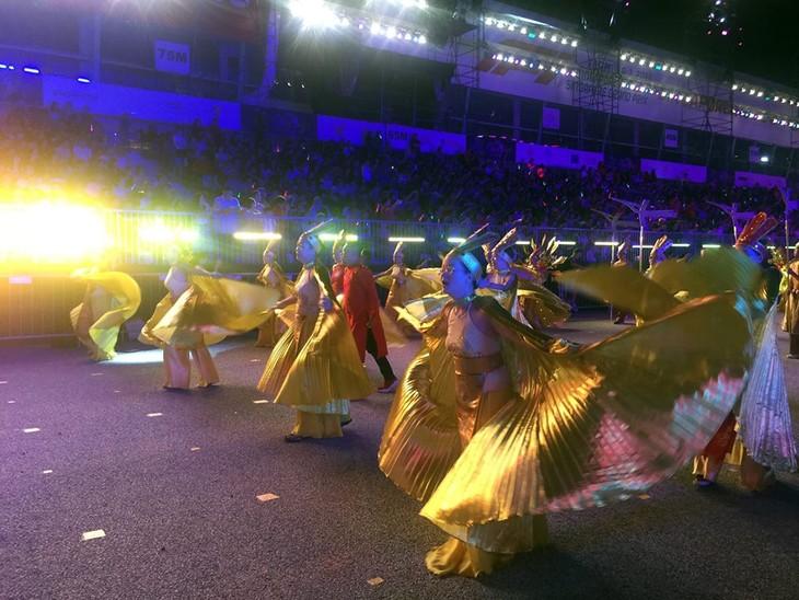 Cộng đồng người Việt tham gia lễ hội đường phố Chingay Parade tại Singapore - ảnh 17