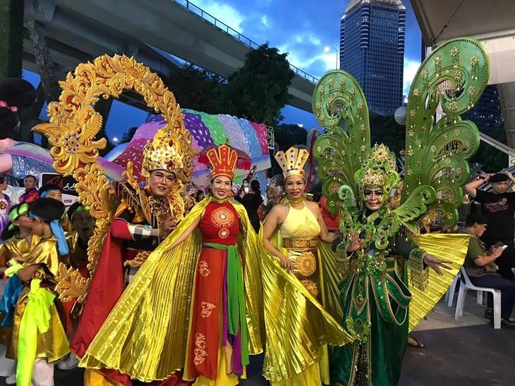 Cộng đồng người Việt tham gia lễ hội đường phố Chingay Parade tại Singapore - ảnh 21
