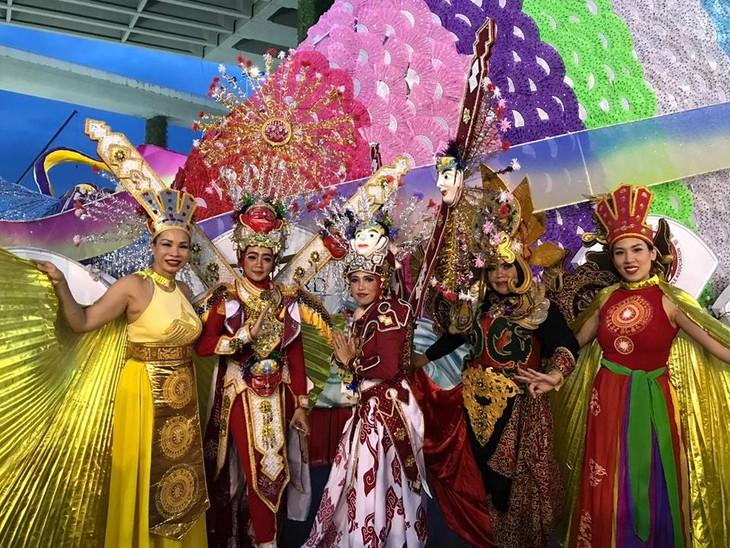 Cộng đồng người Việt tham gia lễ hội đường phố Chingay Parade tại Singapore - ảnh 25