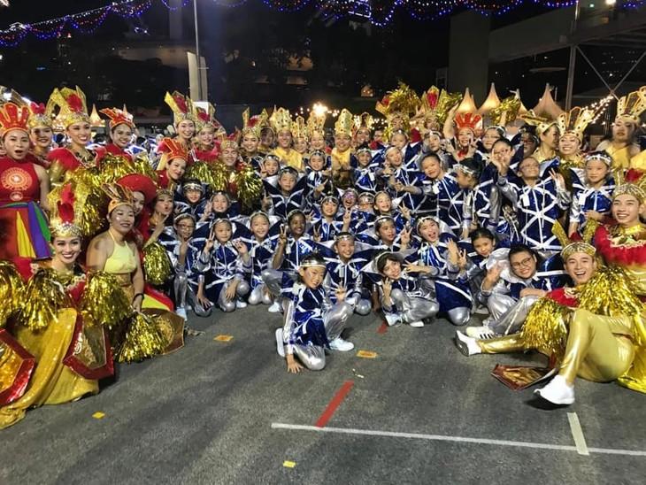 Cộng đồng người Việt tham gia lễ hội đường phố Chingay Parade tại Singapore - ảnh 6