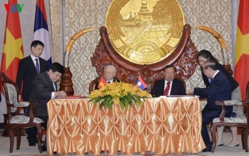 VOV ký kết thỏa thuận Đầu tư đổi mới thiết bị cho Đài phát thanh Lào - ảnh 1