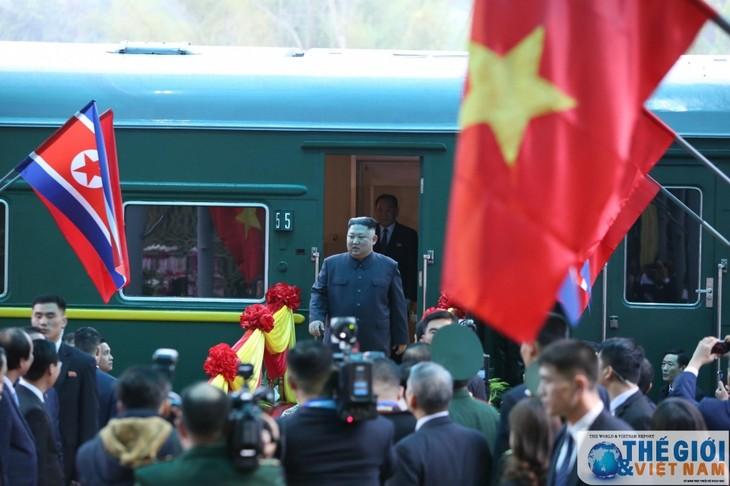 Những hình ảnh Chủ tịch Triều Tiên Kim Jong-un đến Việt Nam - ảnh 14
